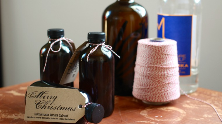 Make your own homemade vanilla extract so that it's perfectly ready in time for gift-giving season!